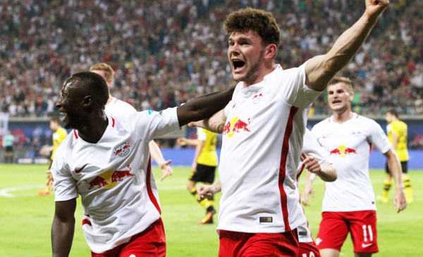 Deutsche Bundesliga, RasenBallsport Leipzig vs. Borussia Dortmund - Naby Keita und Oliver Burke (RB Leipzig) - Foto: GEPA pictures/Sven Sonntag