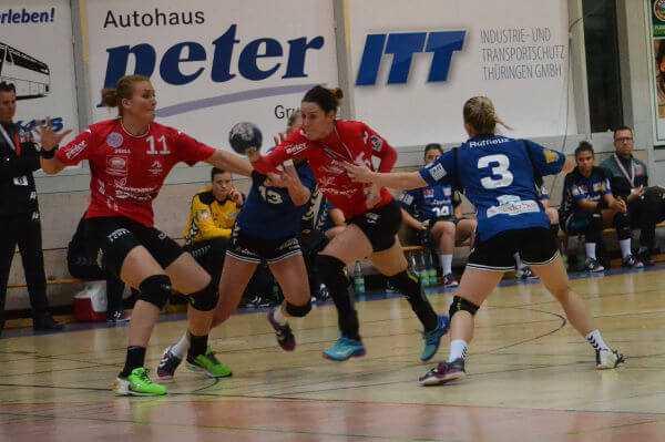 Macarena Aguilar (mi.) - DHB-Pokal: Thüringer HC im Viertelfinale nach Blomberg-Sieg - Foto: Hans-Joachim Steinbach / Thüringer HC