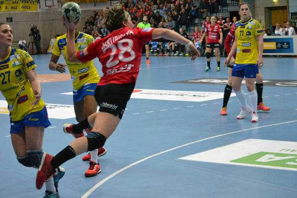 Lydia Jakubisova - Handball Champions League: Thüringer HC bezwang Metz - Foto: Hans-Joachim Steinbach / Thüringer HC