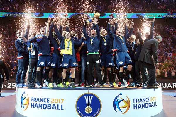 """Handball WM 2017 Finale: Frankreichs """"Equipe Tricolore"""" und Zuschauer entzaubern Norwegen im Hexenkessel - Foto: France Handball"""