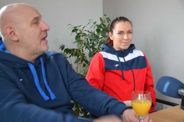 Trainer Herbert Müller und Iveta Luzumova - Thüringer HC gegen VfL Oldenburg im 300. Bundesliga-Match. Stolze Bilanz! - Foto: Hans-Joachim Steinbach / Thüringer HC