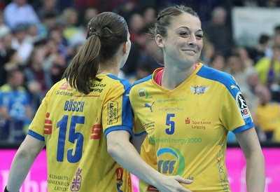 Alexandra Mazzucco (re.) und Tamara Bösch - HC Leipzig - Foto: HC Leipzig / Nadine Goldschmidt
