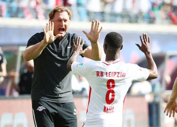 Deutsche Bundesliga, RasenBallsport Leipzig vs. SV Darmstadt - Ralph Hasenhuettl und Naby Keita (RB Leipzig) - Foto: GEPA pictures/Kerstin Kummer