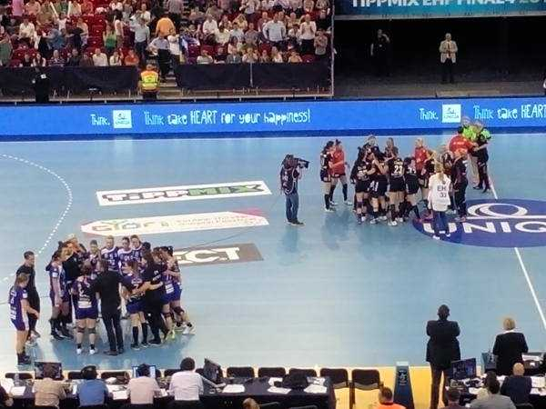 """Handball EHF Champions League: Vardar Skopje bezwang im """"Spielrausch"""" Titelverteidiger CSM Bukarest 76"""