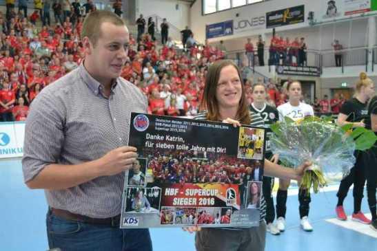 Katrin Engel - Tobias Busch - Thüringer HC - Handball Bundesliga - Verabschiedung am 10.09.2017 in Nordhausen - Foto: Hans-Joachim Steinbach