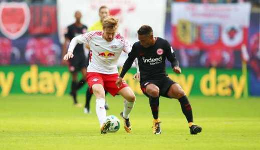 Deutsche Bundesliga, RasenBallsport Leipzig vs. Eintracht Frankfurt - Emil Forsberg (RB Leipzig) und Jonathan de Guzman (Frankfurt) - Foto: GEPA pictures/Roger Petzsche