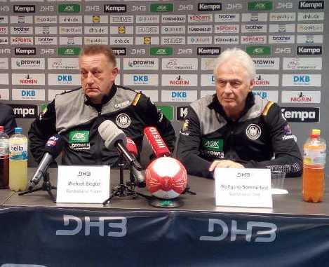 Michael Biegler und Wolfgang Sommerfeld - Handball WM 2017 Deutschland - DHB-Pressekonferenz am 29.11.2017 in Leipzig - Foto: SPORT4FINAL