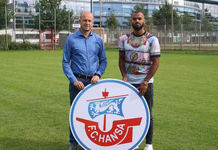 Vorstand Sport F.C. Hansa Rostock Markus Thiele und Phil Ofosu-Ayeh - Foto: FC Hansa Rostock