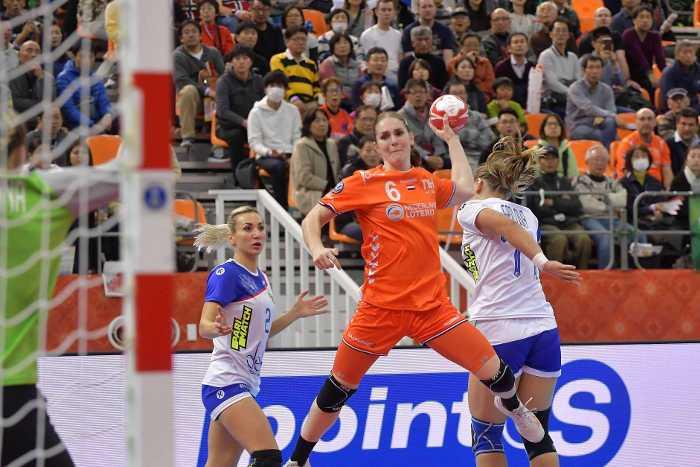 Handball WM 2019 - Niederlande vs. Russland - Laura van der Heijden - Copyright: Henk Seppen