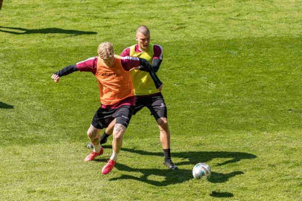 Dynamo Dresden - erstes Mannschafts-Training nach Lockerung der Corona-Maßnahmen im Rudolf-Harbig-Stadion am 07.05.2020 - Foto: SGD / Steffen Kuttner