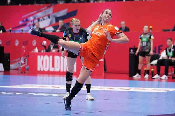 Handball EM 2020 Frauen - Lois Abbingh - Niederlande vs. Deutschland - Copyright: Henk Seppen