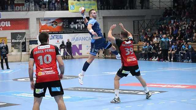 Handball - Copyright: https://pixabay.com/photos/sport-sports-handball-run-road-5052420/ - Lizenz: Pixabay Licence. Bild vonRaul Fonseca CortizoaufPixabay.