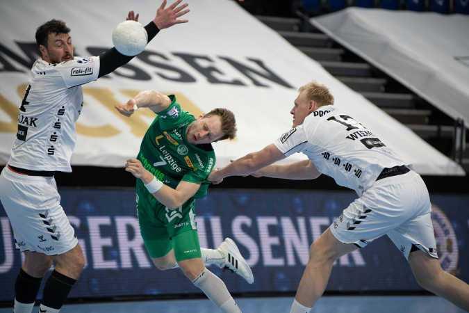 Handball Bundesliga - THW Kiel vs. SC DHfK Leipzig - Domagoj Duvnjak, Luca Witzke, Patrick Wiencek (v.l.) - Foto: Klaus Trotter