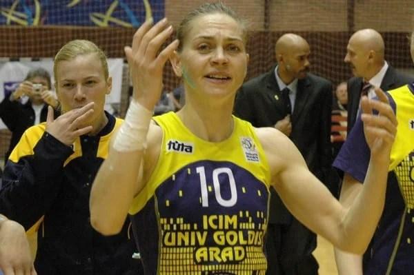 """Palmă pentru iubitorii baschetului arădean: Meciul de retragere al Monikăi Brosovszky – pe Bega: """"Îmi pare rău, orice sportiv visează să se retragă unde a debutat!"""""""
