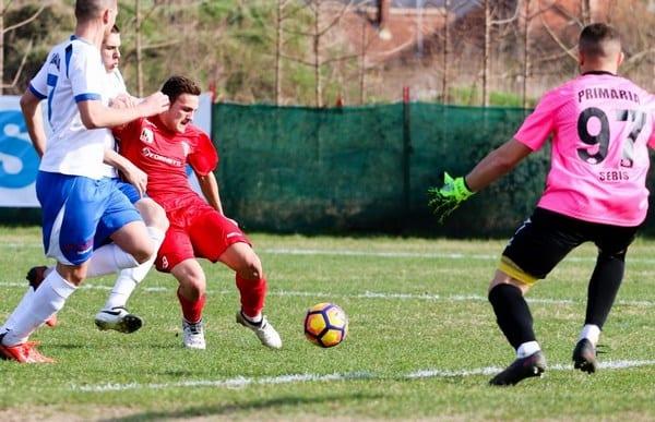 """Dinculescu s-a întors la UTA pentru a bate la porțile primei echipe: """"Am culorile alb-roșii în suflet, sunt aici să muncesc"""""""