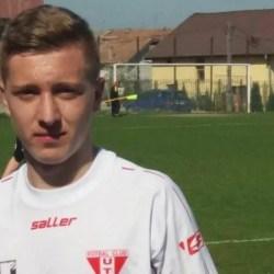"""Sabău i-a apropiat și mai mult pe """"roș-albi"""" de finală: Unirea Alba Iulia - UTA Under 17  0-1"""
