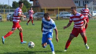 """Photo of Juniorii """"alb-roșilor"""" au decis repetiția pentru primul derby arădean pe puncte: Lipova – Cermei 0-2"""