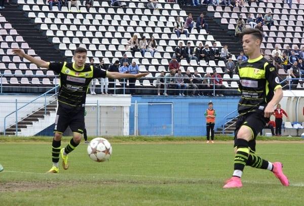 Arădenii Man și Petre se reîntâlnesc la naționala de tineret! Isăila i-a convocat pentru meciurile Bosnia și Elveția