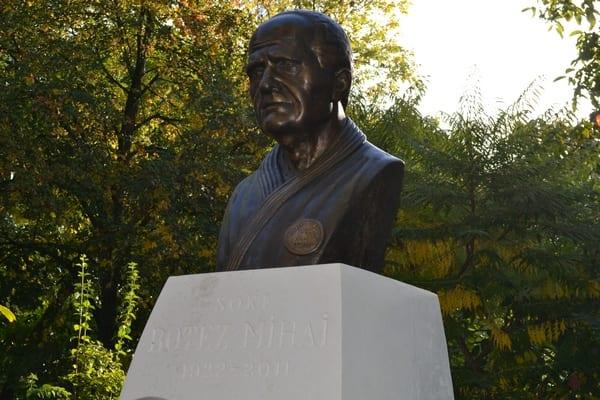 """""""Îndatorirea morală profundă"""" față de Mihai Botez a îmbrăcat forma bustului din Parcul Pădurice: """"Mi s-a eliberat inima"""""""