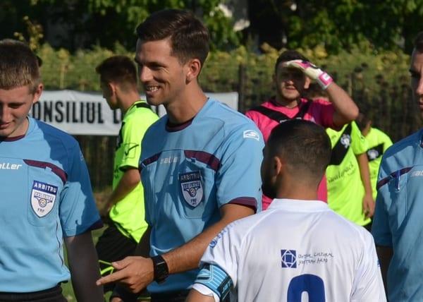 Meciurile și arbitrii etapei a treia (intermediară) a Ligii a IV-a Arad: Ardelean fluieră liderul în Podgorie, Gornic împarte dreptatea la Șimand
