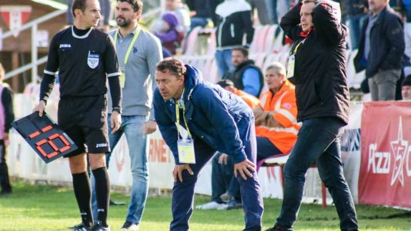 Roșu a remizat cu liderul la revenirea în Liga 2-a, Andor – titularizat de antrenorul ce a fost de acord cu plecarea sa de la UTA