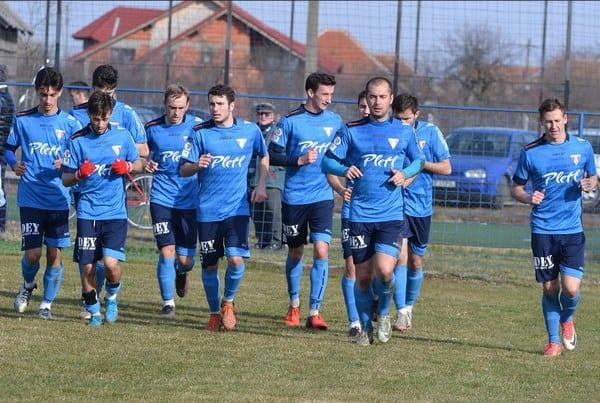 """Pentru UTA urmează o săptămână cu patru meciuri de verificare: Pe lângă Lipova și Reșița, """"roș-albii"""" le mai înfruntă pe Sântana și Crișul"""