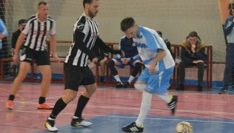 """Se știu grupele turneului final al campionatului județean de futsal: Duminică, la Polivalentă, aflăm noua """"regină"""""""