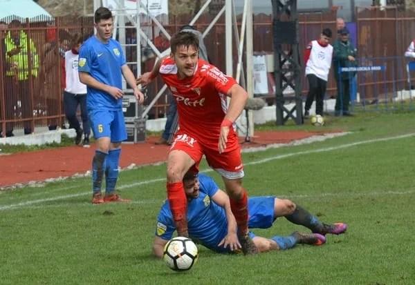 """""""Cermeianul"""" Tănase e noul mijlocaș al Craiovei lui Mititelu: """"Rămân cu regretul că nu am promovat cu UTA în Liga 1, sper să-mi ating toate obiectivele la noua mea echipă"""""""