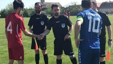 """Photo of Liga IV-a Arad, etapa a 24-a: Derby-ul orgoliilor, Criș – Socodor, pe mâna lui Herțeg! Bolcaș fluieră """"descinderea"""" Sântanei la Ineu"""