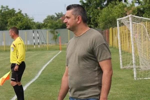 """Glogovăț a pierdut doi mijlocași centrali, dar l-a luat pe Nibu! Dehelean: """"Nucleul a rămas, țintim un loc în Top 5!"""""""