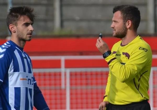 """Meciurile și arbitrii etapei a 12-a a Ligii a IV-a Arad: Nicoraș fluieră derby-ul de pe """"Scheirich Arena"""", Herțeg la arbitrează viceliderul la Ineu"""