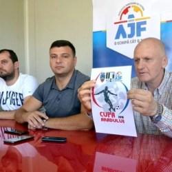 """Juniorii legitimați se întrec la Cupa Aradului: """"O competiție a bucuriei de a juca fotbal, pe un teren nou-nouț de Liga 2-a!"""""""