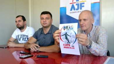 """Photo of Juniorii legitimați se întrec la Cupa Aradului: """"O competiție a bucuriei de a juca fotbal, pe un teren nou-nouț de Liga 2-a!"""""""