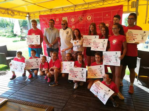 """Prezent la turneul care îi poartă numele, Năstase a decretat: """"În România sportul nu este o prioritate!"""" Mitu și Berberovic joacă pentru trofeu"""