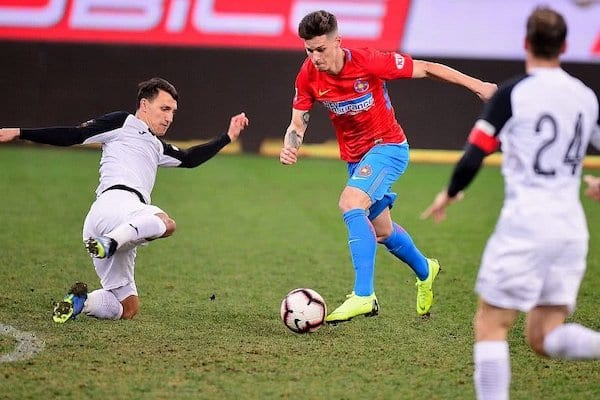 Un arădean, aproape să devină cel mai scump fotbalist român