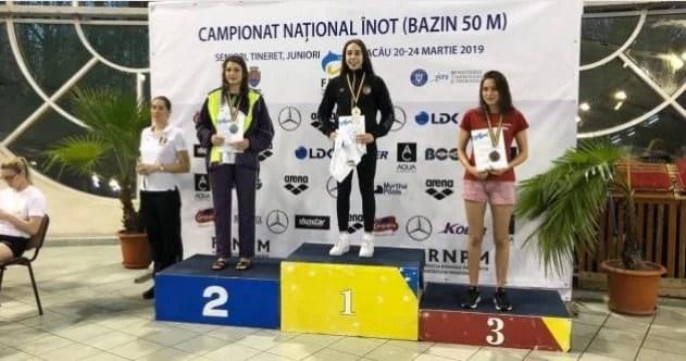 Andreea Popescu a strălucit în bazinul din Bacău: Junioara CSM-ului - cea mai bună din țară la înot bras