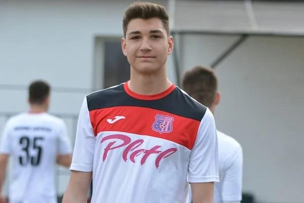 """Abel Popa, debut în tricoul Lipovei la numai 16 ani: """"Am avut mari emoții, de acum sper să fiu folosit cât mai mult"""""""