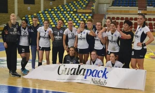 Handbalistele Crișului intră în febra ultimelor partide înainte de turneul semifinal: Snakovski ar putea reveni pe parchet la Reșița