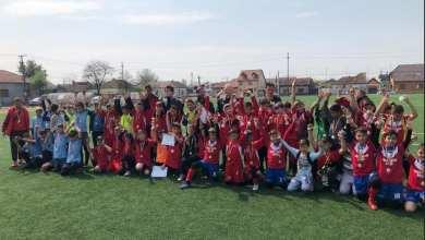 """Photo of Liceul Naţional de Informatică a câștigat Cupa Iepuraşul Football Dream și va reprezenta Aradul la """"zona"""" ONSȘ valabilă pentru cilcul primar"""