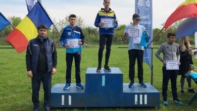 Photo of După mai bine de 30 de ani, Bogdan Jurcă duce crosul arădean pe podiumul național școlar