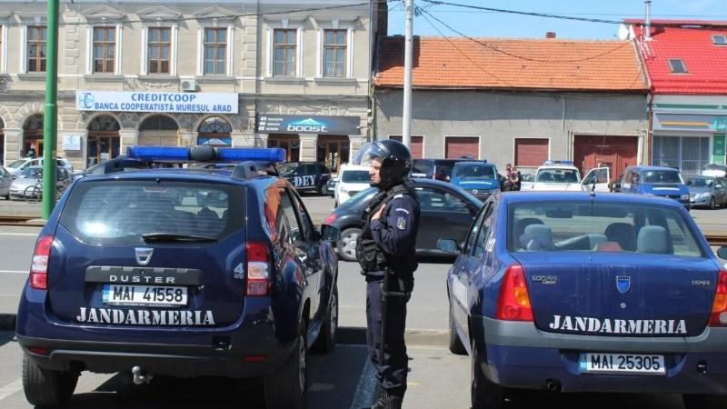 """Jandarmeria ia măsuri speciale la UTA – Petrolul, sunt așteptate și câteva zeci de suporteri ai """"lupilor galbeni"""""""