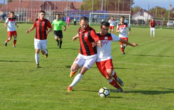 Livetext, ora 18.00: Șoimii Lipova - CSM Reșița 0-2, Național Sebiș - Ghiroda și Giarmata Vii 3-1, finale