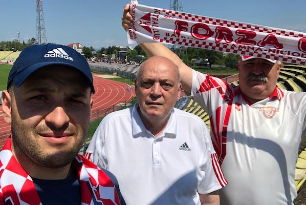 """Trei fani pentru UTA, în Trivale! Unul a venit de la Arad, cu trenul și a trăit și vremuri de glorie: """"Era o încântare…dar – poate – reaprindem flacăra"""""""