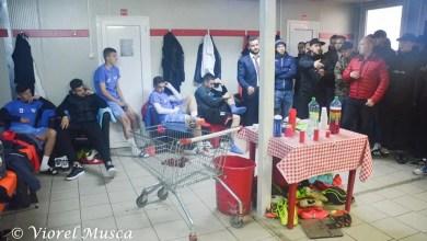 """Photo of Efectul vizitei suporterilor în vestiarul UTA-ei după derby-ul pierdut cu Poli: """"Unii jucători au fost șocați, dar în cele din urmă au înțeles demersul"""""""