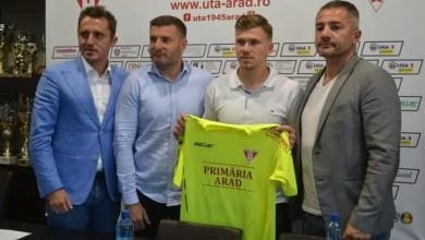 """Photo of Cel mai bun portar al sezonului trecut în Liga 2-a e utist!: Iacob: """"O mare responsabilitate să activezi la o echipă de tradiție, îmi place presiunea suporterilor"""""""