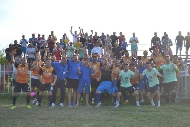 Livetext, ora 17.30, returul barajului de promovare în Liga a 3-a: Retezatul Hațeg – Progresul Pecica 0-1 final. Campioana Aradului sărbătorește!