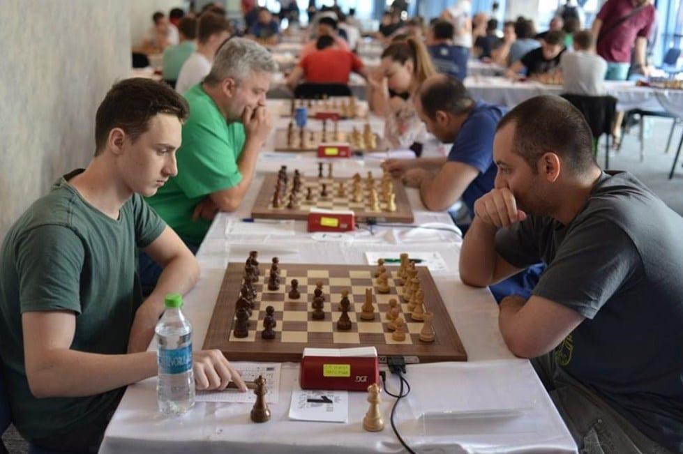 România a învins Italia la șah online cu trei arădeni în lot