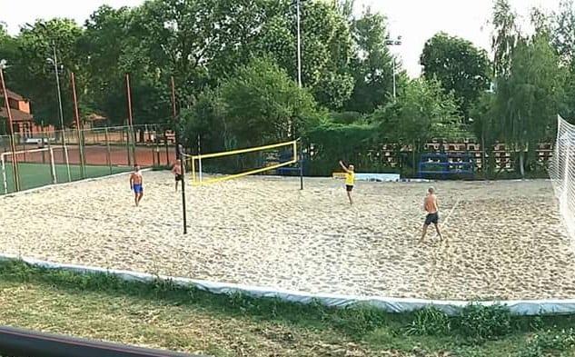 Fan Tour Open Arad, turneu de volei pe plajă în weekend