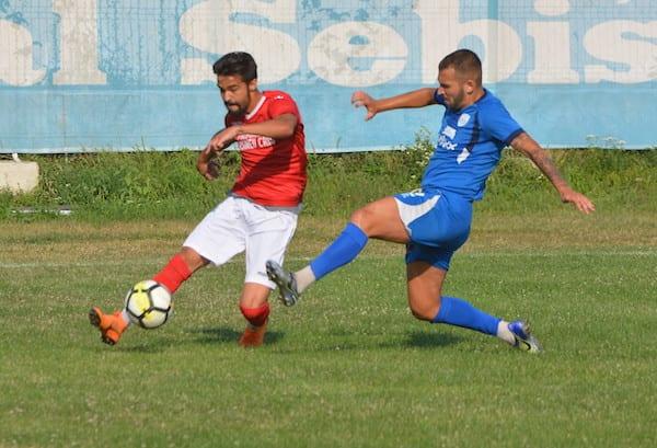 (Semi)surpriză amicală: Național Sebiș - Crișul Chișineu-Criș 2-1 +FOTO