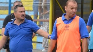 """Photo of Pecica a avut din nou probleme cu Crișul! Stupar: """"Rezultat bun 10 contra 11, dar jocul mă nemulțumește"""" v.s. Abrudean: """"Două puncte pierdute"""""""